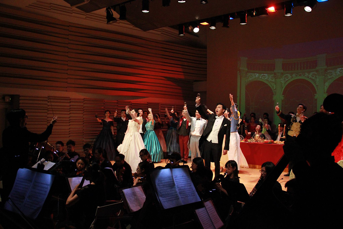 Tunghai Department of Music brought La Traviata on stage at National Taichung Theater