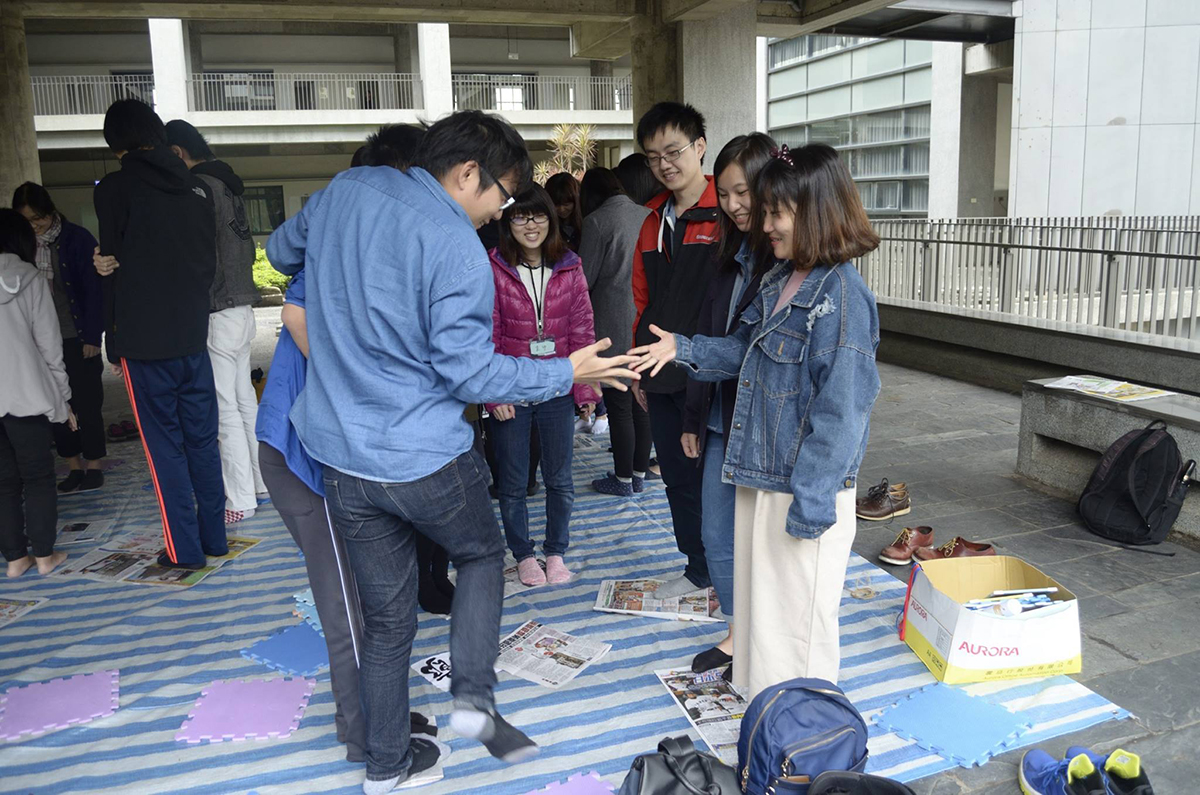 The 'Japanese Corridor' activity is set up by the students in the Department of Japanese Language and Culture together with students originated from Japan.