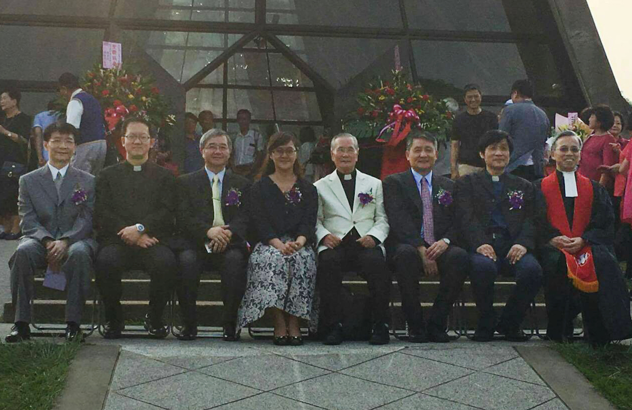 Group photo of Pastor Ordination Ceremony for Deborah Chung