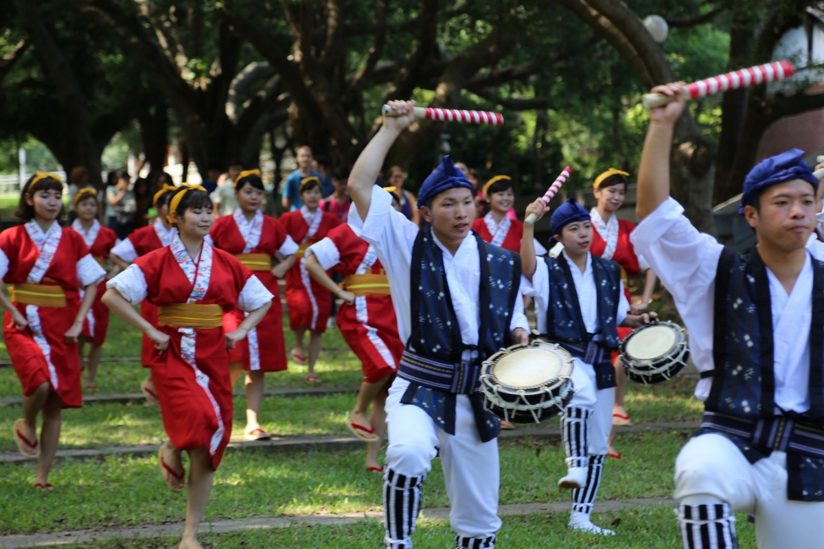 Along with the strong and lively beats of drums and traditional melody, the club performed their traditional EISA dance.